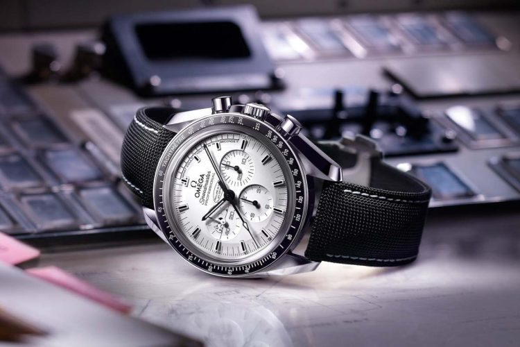 How-Snoopy-Ended-Up-on-Omega-Speedmaster-and-the-Apollo-13-story_1200x40