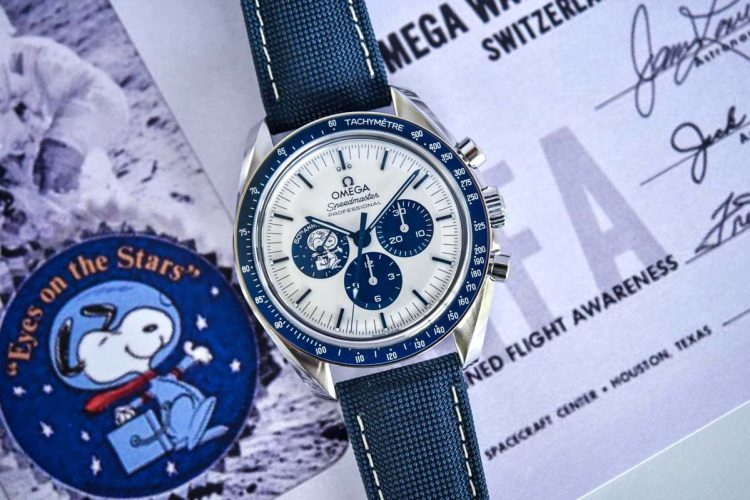 Omega-Speedmaster-Silver-Snoopy-Award-50th-Anniversary-310.32.42.50.02.001-Review-23_1200x40